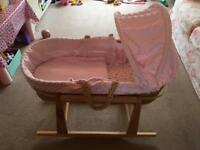 Moses basket with 2 stands - for free