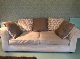 3-seater sofa Great Condition very comfy Free to a good home, just needs collecting