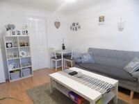 Reduced 2 Bed Ground Floor Flat, with Parking, Close to Town Centre, Schools, Shops - Available Now