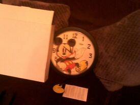 DISNEY QUARTZ WALL CLOCK
