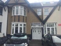 A stunning bid 3 Bedroom House to rent walking distance to Redbridge Station... IG4