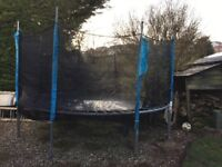 Trampoline with safety netting 12 ft diameter