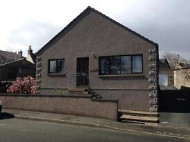 3 bedroom detached house / home with garage and parking