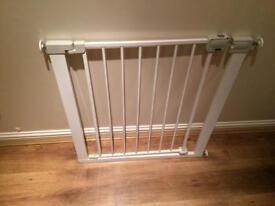 Pressure fit baby gate