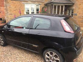Black Fiat Punto - Rare Red Interior, 10 months MOT