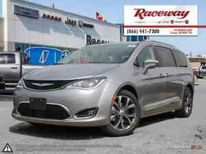 2017 Chrysler Pacifica ***COMPANY DEMO***LIMITED***LOADED***