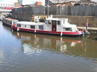 Dutch Barge Houseboat on Transferrable Residential Mooring in Brentford