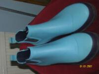 LADIES BLUE RUBBER ANKLE WELLIES UNWORN SIZE 5