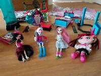 Monster high bundle. Dolls furniture playsets duvet cover & pillow case pet smoke free