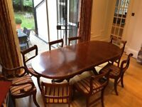 Extendable Dining table + chairs