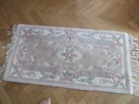 Chinese rug 100% wool Dry Cleaned £12 Reduced L 122cm (48in) W 70 cm (28in) beige pretty design