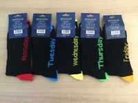 BARGAIN!! Great Resell Opportunity!! NEW Mens Black Socks - Coloured Heels & Toes