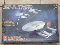 AMT Star Trek U.S.S Enterprise flight display model kit new & sealed