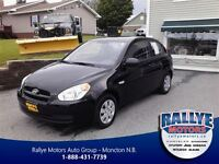 2011 Hyundai Accent GL Sport! Sunroof! ONLY 55KM!