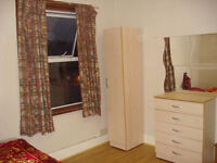 A DOUBLE BEDROOM AVAILABLE VERY VERY CLOSE TO EAST HAM STATION