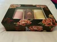 Brand new lovely bath gift tin