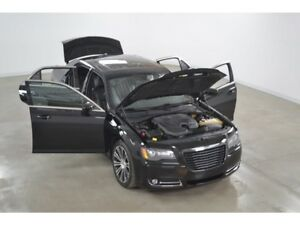 2013 Chrysler 300 S 3.6L GPS*Cuir*Toit Ouvrant*Camera Recul*