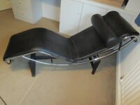 Le Corbusier LC4 repro chaise longue in black leather