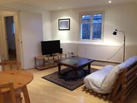 Camberwell Grove (Denmark Hill/ East Dulwich); 1 bedroom unfurnished flat