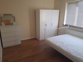 A VERY NICE 7/8 BED FLAT ON CRANBROOK ROAD