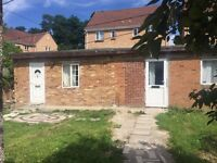 1 Large Bed Outhouse - £950 PCM including all bills - DSS Accepted, SL1, Slough
