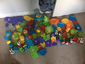 Toot toot track with vehicles & animals