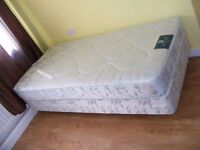 CAN DELIVER - SINGLE DIVAN BED WITH MATTRESS IN VERY GOOD CONDITION