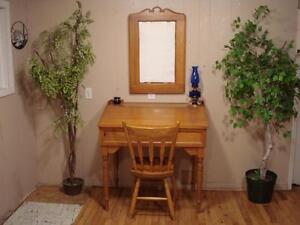 Beautiful Slant Top Desk Set