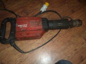 Hilti TE905 Demolition Breaker 110V