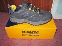 Men safety shoe size 11