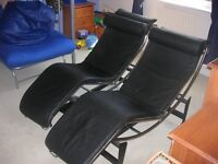 2 x Le Corbusier Chaise Lounge - Black leather