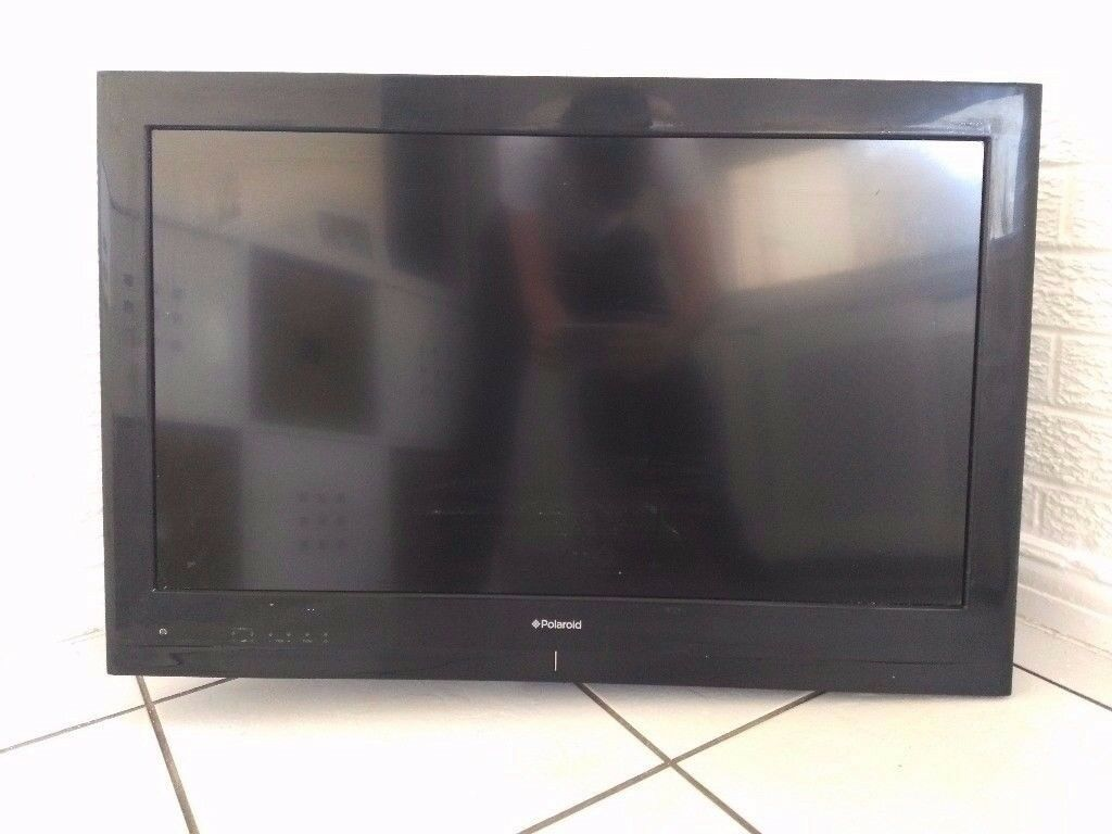 "32"" Polaroid Television, wall bracket with fittings and remote included"