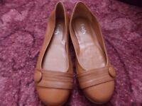 Ladies tan leather flat shoes (faith)