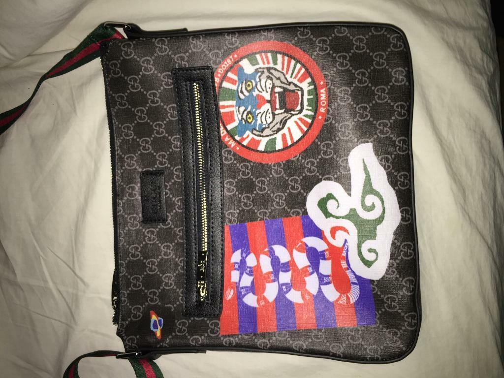 30c25211c51 Gucci Night Courrier GG Supreme messenger bag