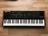 Dave Smith Instruments Rev 2 16 Voice Analog Synthesiser Multi Timbral PERFECT