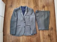 NEW Men's Grey Burton Suit (40s / 32s)