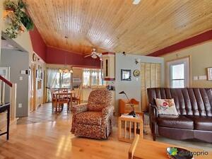 187 000$ - Maison à un étage et demi à vendre Lac-Saint-Jean Saguenay-Lac-Saint-Jean image 6