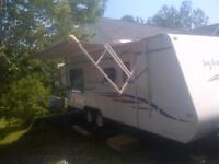 2008 jayfeather 213 exp  Queen bed push out