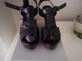 CARVELA BLACK LEATHER SHOE Size 6
