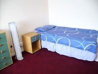 2 LARGE ROOMS AND SMALLER ROOM IN BEESTON NEAR BOOTS AND UNIVERSITY £75 p/w (Incl. Council tax)