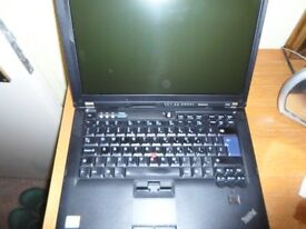 Laptop *** Lenovo ThinkPad T400 Core 2 Duo P8400 2.26 GHz 4 GB RAM 160 GB HDD Ref: 9509