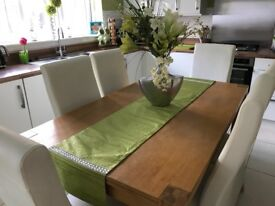 Ex showroom table and chairs, good condition