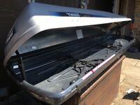 Thule Alpine 500 roof box