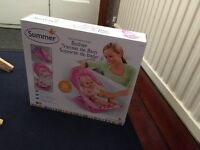 Brand new Deluxe Baby Bather Circle Daisy