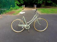 Lovely Raleigh Caprice vintage ladies bike. Fully working ready to go