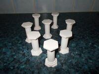 8 cake pillars.