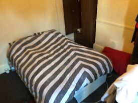 spacious single room - fully furnished and all bills included - £140 per week