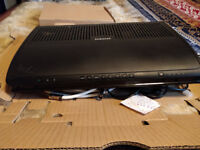 VIRGIN MEDIA BOX 500G WITH ROUTER AND REMOTE WITH NO BACK ON