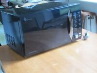 Daewoo 800W microwave 24 litre