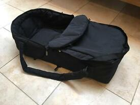 Travel carry cot, soft and foldable, black by Hauck. Moses basket.